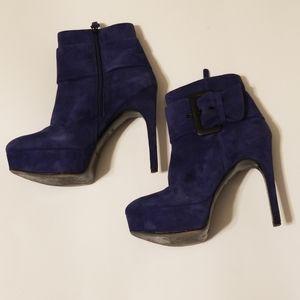 Via spiga blue suede booties